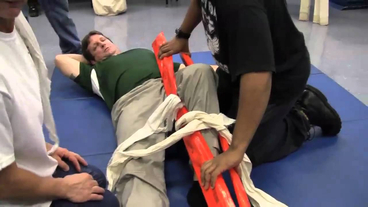 Class 4 Hitch >> EMT Practical - Knee Fracture - YouTube