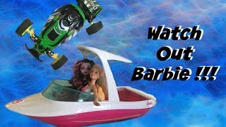 Video RC Car Jumps Barbie with Ozzy kids Zyren download MP3, 3GP, MP4, WEBM, AVI, FLV November 2018