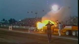 Amazing & Spectacular Tractor Pull Crash accident 2014