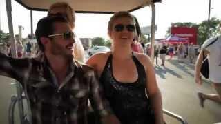 Behind The Scenes: Kelly Clarkson w/ Jason Aldean at Wrigley Field