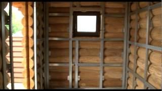 видео Обустройство дома из оцилиндрованного бревна