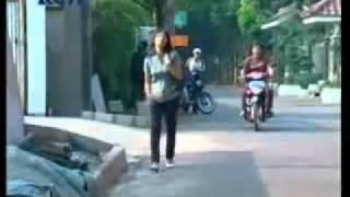 YouTube - Sinema Romantis _LETTO_ HANTUI AKU CINTA_ 3
