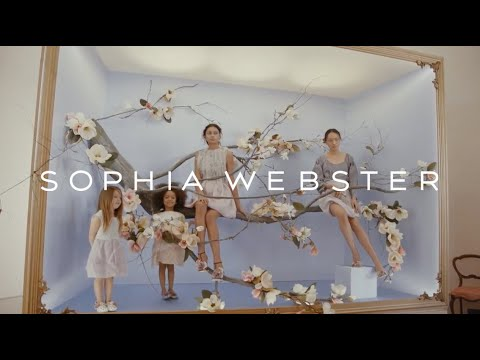 Sophia Webster SS18 - Away With The Fairies Show