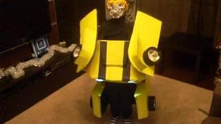 Костюм трансформера(Огромное спасибо Роману, за то что он предоставил нам чертежи Новогоднего костюма. Благодаря ему, наш ребен..., 2013-01-02T14:26:47.000Z)