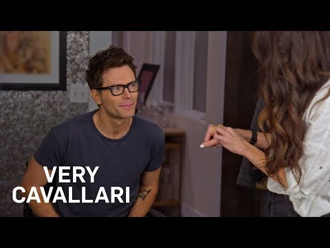 Kelly Henderson Talks Dating Life With Ex Bobby Bones | Very Cavallari | E!