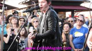 "James Blunt sings ""Stay The Night"" live at The Grove On Extra TV"