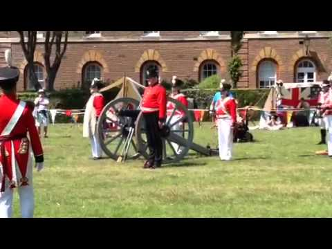 Fort Cumberland Guard Cannon Display