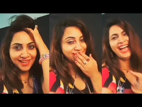 Bigg Boss 11's evicted contestant Arshi Khan's drunk video goes viral