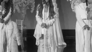 Thank u, next at (Ellen tube) Ariana Grandé ❤❤💙