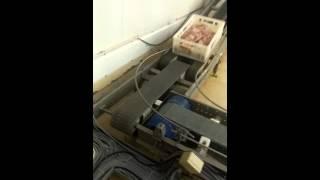 Транспортировка  ящиков в цеху мясокомбината (Внутризаводская логистика)(Внутризаводская логистика ящиков на производственной площадке нашего клиента. Компания ООО