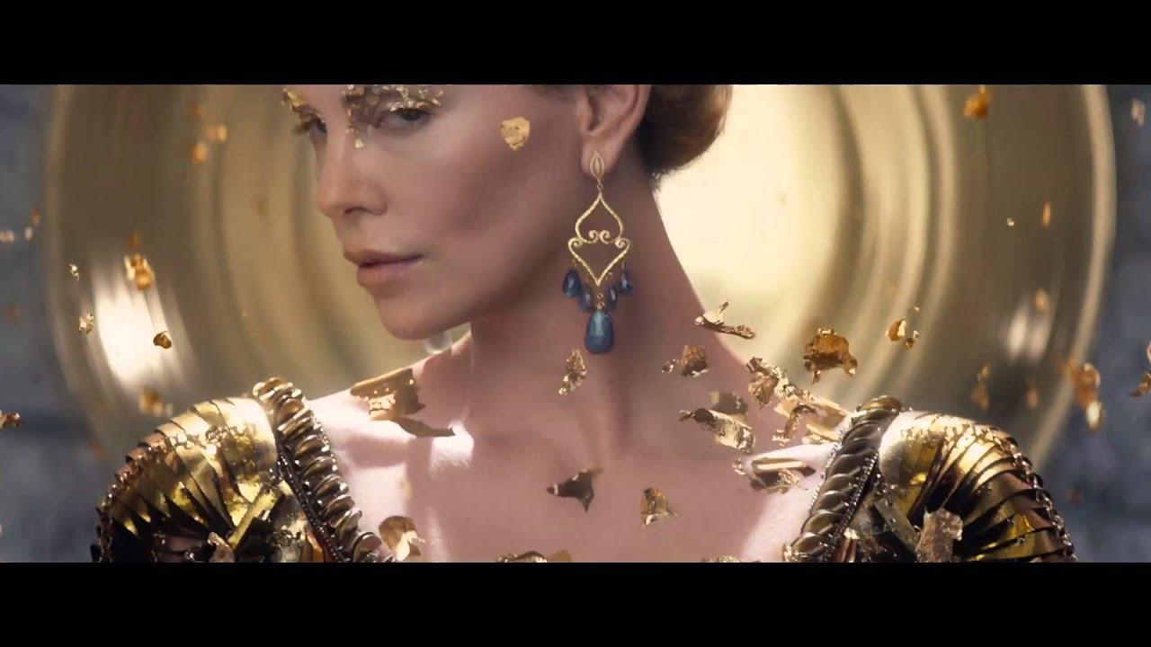 Le Chasseur Et La Reine Des Glaces Bande Annonce 2 Vf Youtube