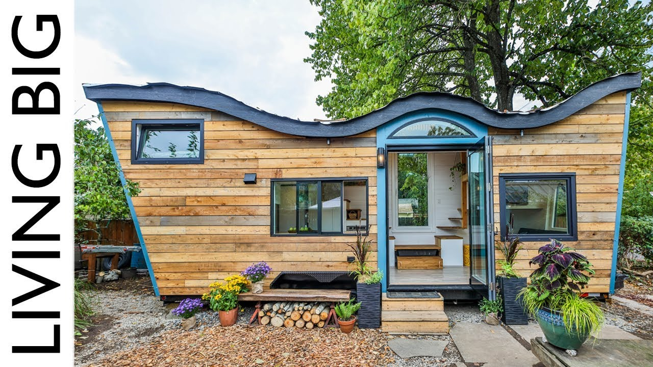 Natural Built Tiny House Incorporates Biophilic Design And
