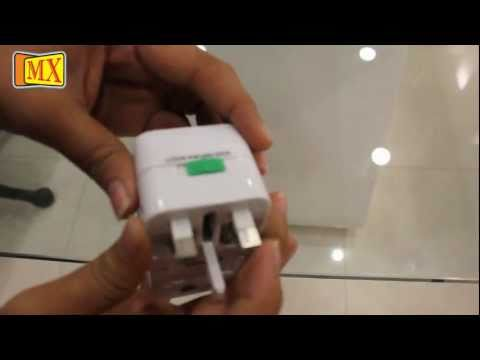 Travel Adapter With Universal Socket For More Than 150 Countries