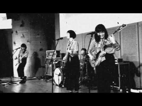 DARA PUSPITA - SURABAYA & BURUNG KAKATUA by FLOWER GIRL