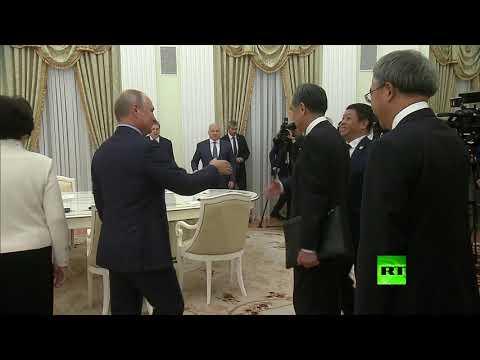 شاهد.. الرئيس بوتين يستقبل رئيس الوزراء الصيني في الكرملين  - نشر قبل 3 ساعة