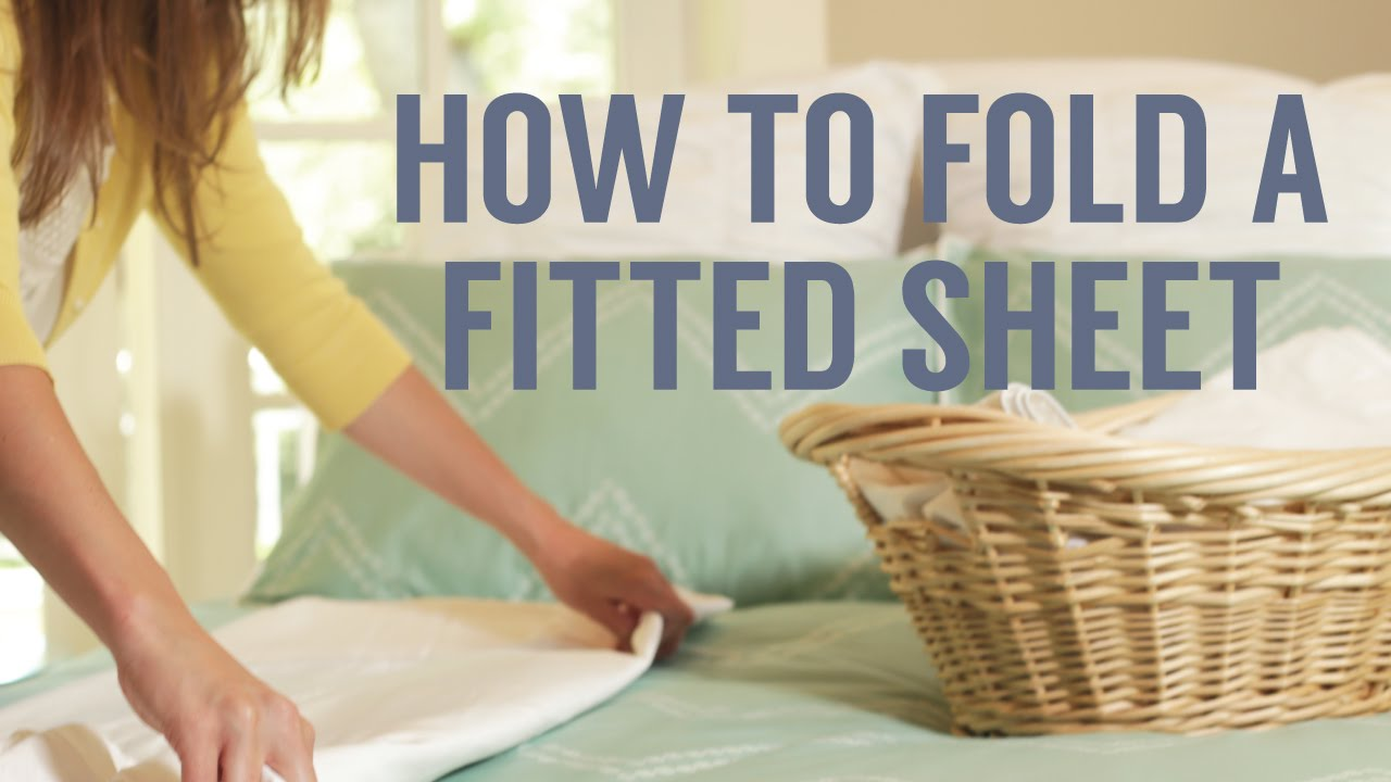 How To Fold A Fitted Sheet In Seconds Youtube