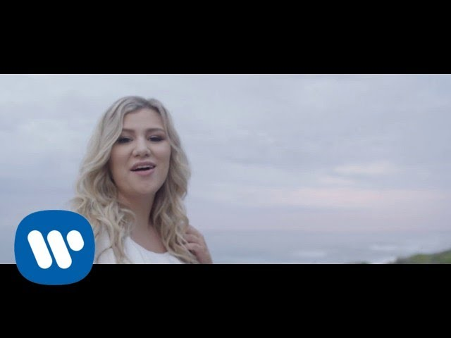 New Music Video for Warner Music Group - Sandkastele by Julanie J