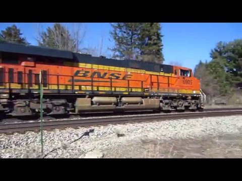 BNSF 6905 hauling a unit auto carrier train with four Grand Trunk Western GT auto racks.