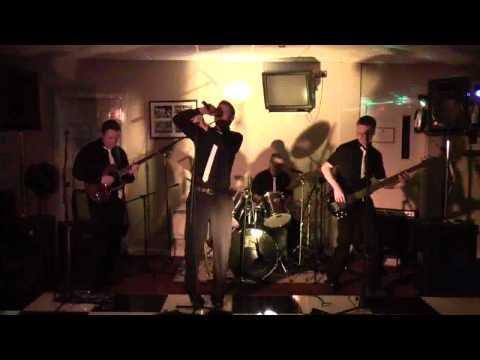 Ayrshire Wedding Band Encore  - Mr. Brightside - Sex On Fire