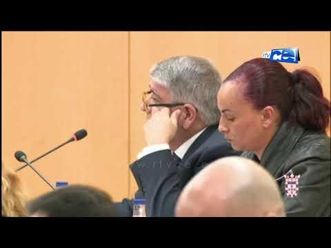El pleno devuelve las competencias al Gobierno con los votos de PP y VOX