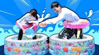 캐리 VS 캐빈, 흥미진진한 미니 풀장 물 퍼내기 한판 승부 l 캐리와장난감친구들