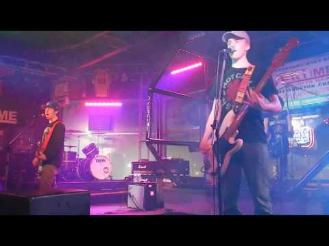 MUDD - Waste Of My Time Live @ Overtime Sports Bar