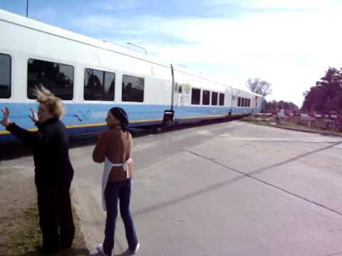 Llegada del tren Talgo con cristina a Mar del Plata