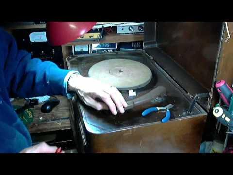 Canadian General Electric KM-5 Vacuum Tube Radio Video #12 - Tone Arm