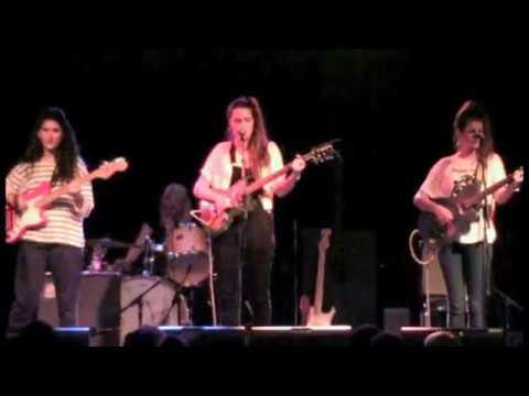 Hinds - Live!  @  Lee's Palace ..Toronto