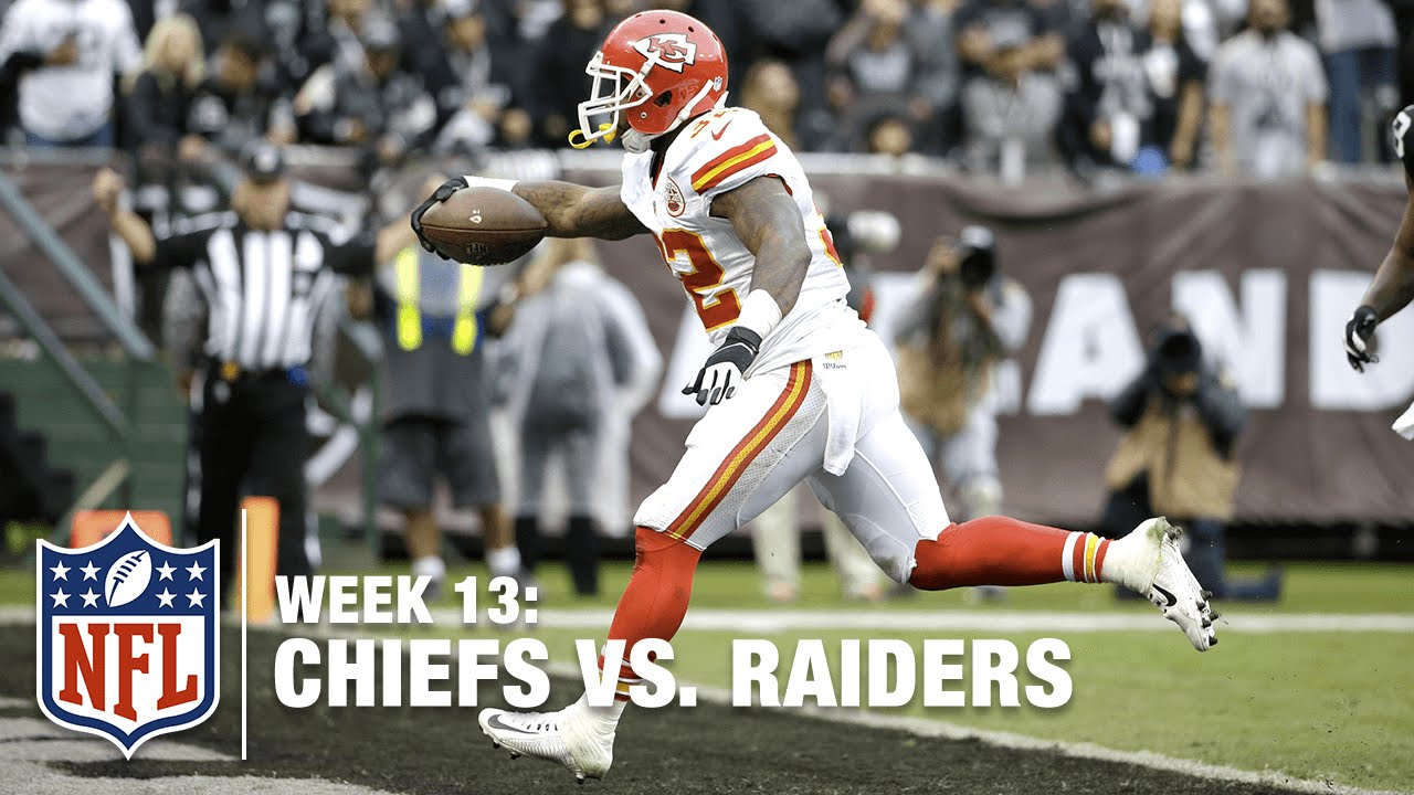 823f2f75066 Chiefs RB Spencer Ware Squeezes Through the Middle for a TD ...