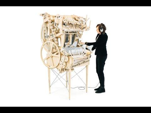 Geniales Musikinstrument aus Holz und 2000 Murmeln   Wintergatan - The Marble Machine
