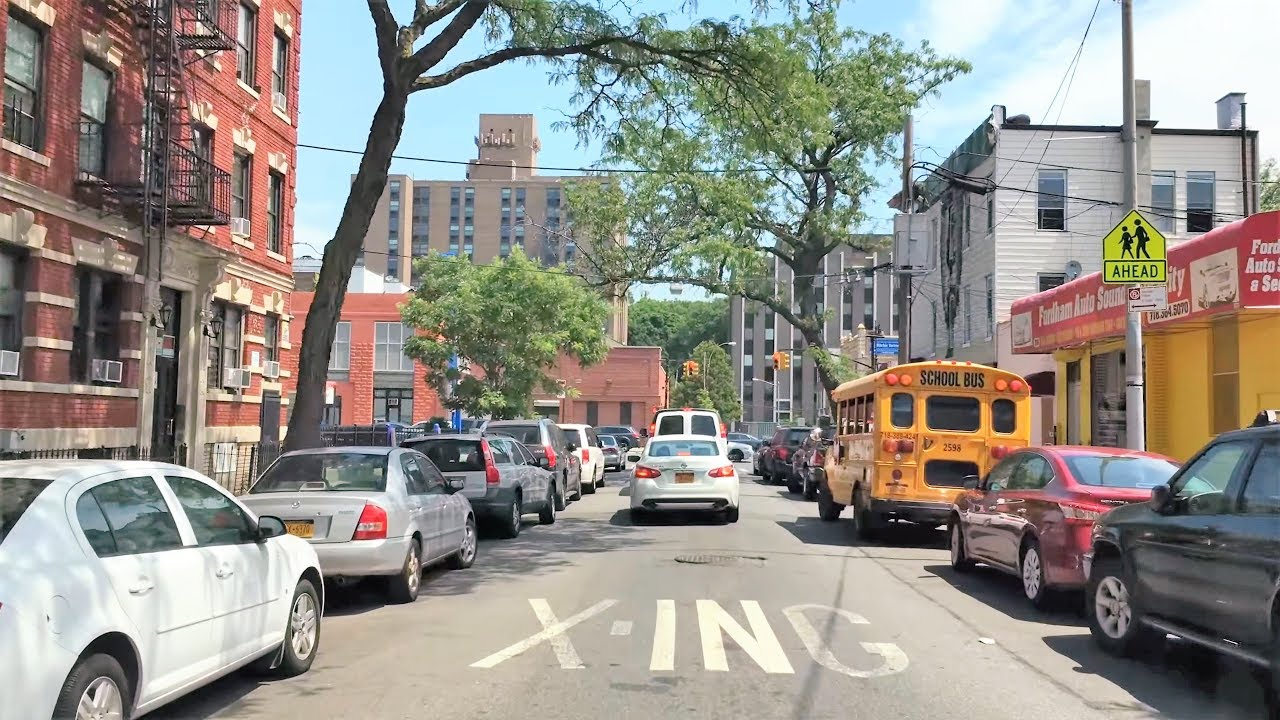 Driving Downtown - Bronx Little Italy 4K - New York City USA