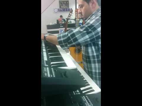 Tum hi ho piano playing by saudi guy..