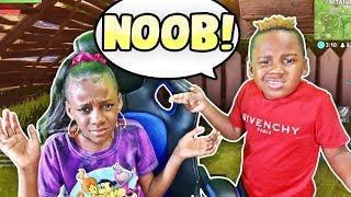 Gambar cover Rating My Sister (Yaya Panton) Fortnite Skills (She's A NOOB)