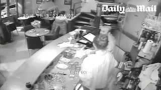 Paris attacks : video inside the Cosa Nostra restaurant !
