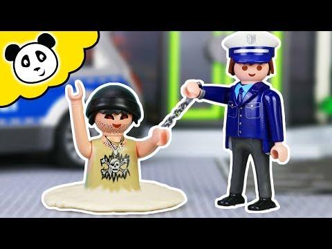 PLAYMOBIL Polizei Film - Karlchen Knack versinkt im Beton - Pandido TV
