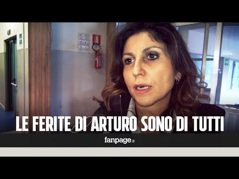 """Napoli, la madre di Arturo accoltellato da una baby gang: """"Mio figlio è il figlio ferito di questa c"""