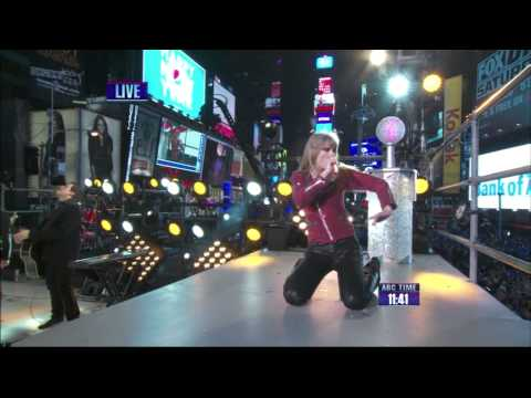 Taylor Swift  HD New York City: New Years Eve  Performs Her NEW 2 Hit Songs 2012