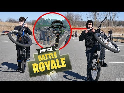 PLAYING FORTNITE WHILE WHEELING! (BIKELIFE)