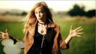 Disney Channel - Paula Dalli - Cámbialo (Send it On Español / Spanish Version) Music Video