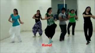Chikani chameli vs Kombdi palali..superb bollywood Dance by Dance floor studio