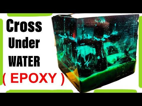 Art resin epoxy ( cross under water )