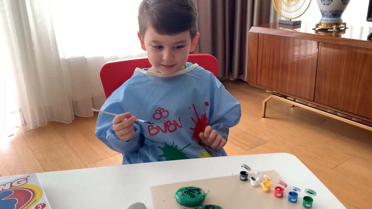 Yusuf taş boyama kutu oyununu oynuyor😍 Taşlardan kaplumbağa 🐢ve Gül 🌹yaptı😍Rengarenk boyalar🧡💜