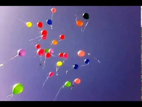 Balloons are flying away! / Улетают воздушные шарики!