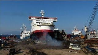 Impressionnant: un ferry fonce droit sur la terre ferme - 29/01
