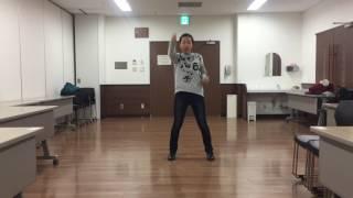 キレキレのダンスで踊っています。 本家のダンスより完成度高いです。
