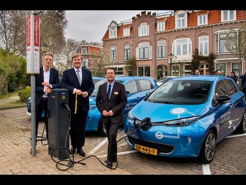 World premiere AC-15118 bidirectional charging by Groupe Renault & We Drive Solar
