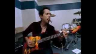Gambar cover Suona net Kirk Hammett e le sue chitarre