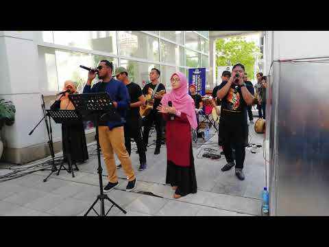 The Bachelors - Buta ( Faizal Tahir ft Caliph Buskers )