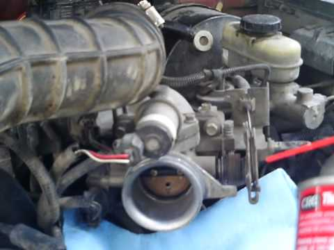 1999 Ford Ranger: cleaning the throttle body (part 1)